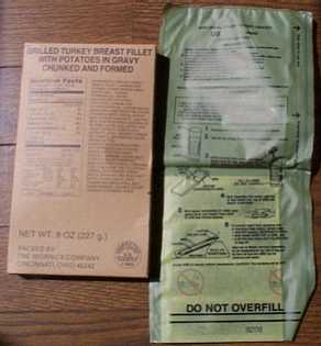1999 MRE # 18 - Turkey Breast w/Gravy & Potatoes entree and flameless ration heater