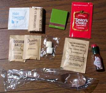 1999 MRE # 18 - Turkey Breast w/Gravy & Potatoes - accessory pack